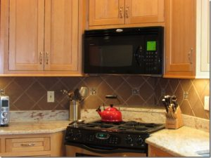 Design and installation of tiled backsplash
